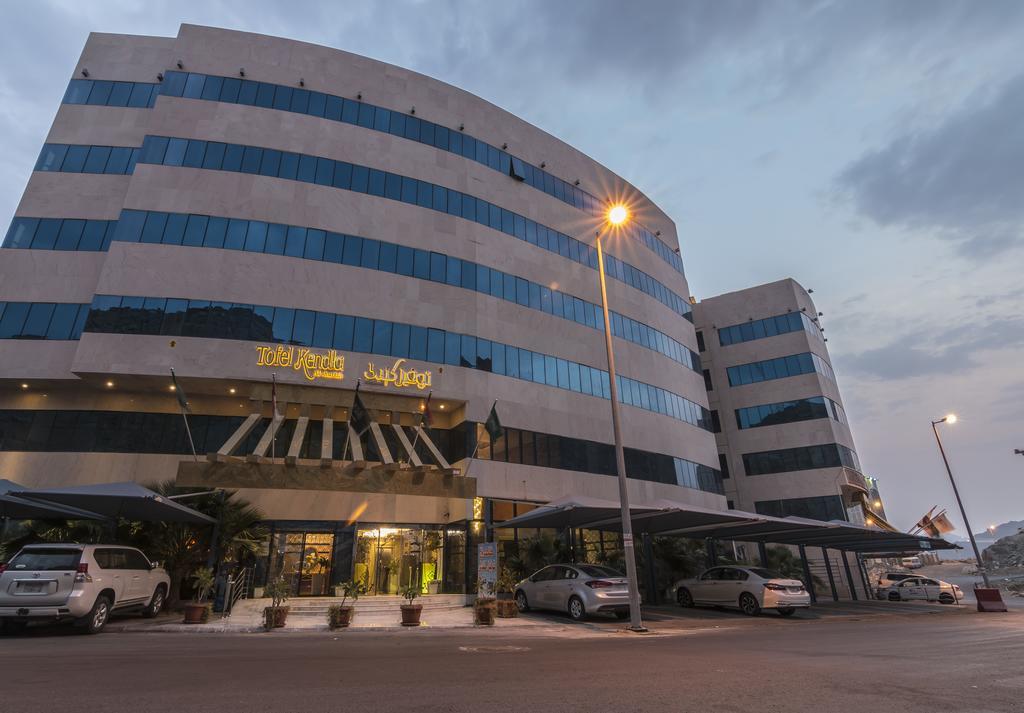 فندق و أجنحة توفيل كندلي الشرفة