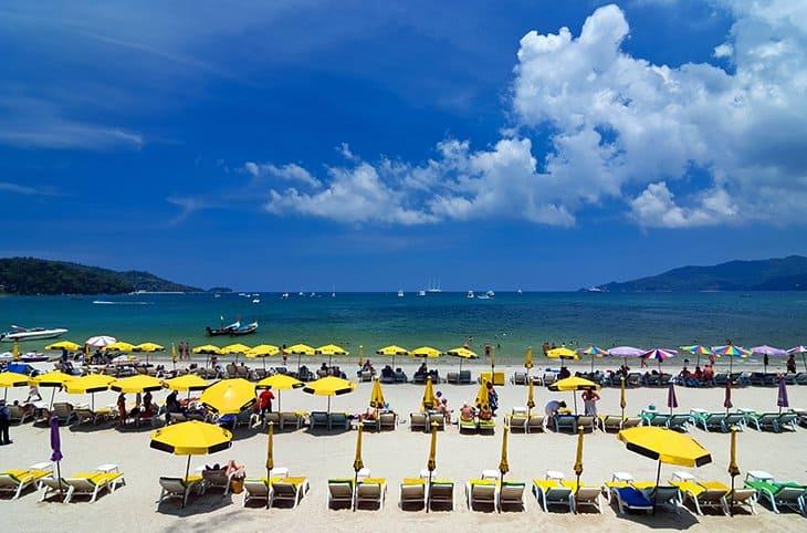 شاطئ باتونج